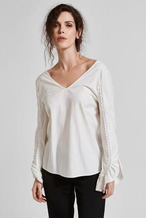 Vekem Kadın Beyaz Sırt Dekolteli Kolları Fırfırlı %100 Pamuk Bluz 8106-0020