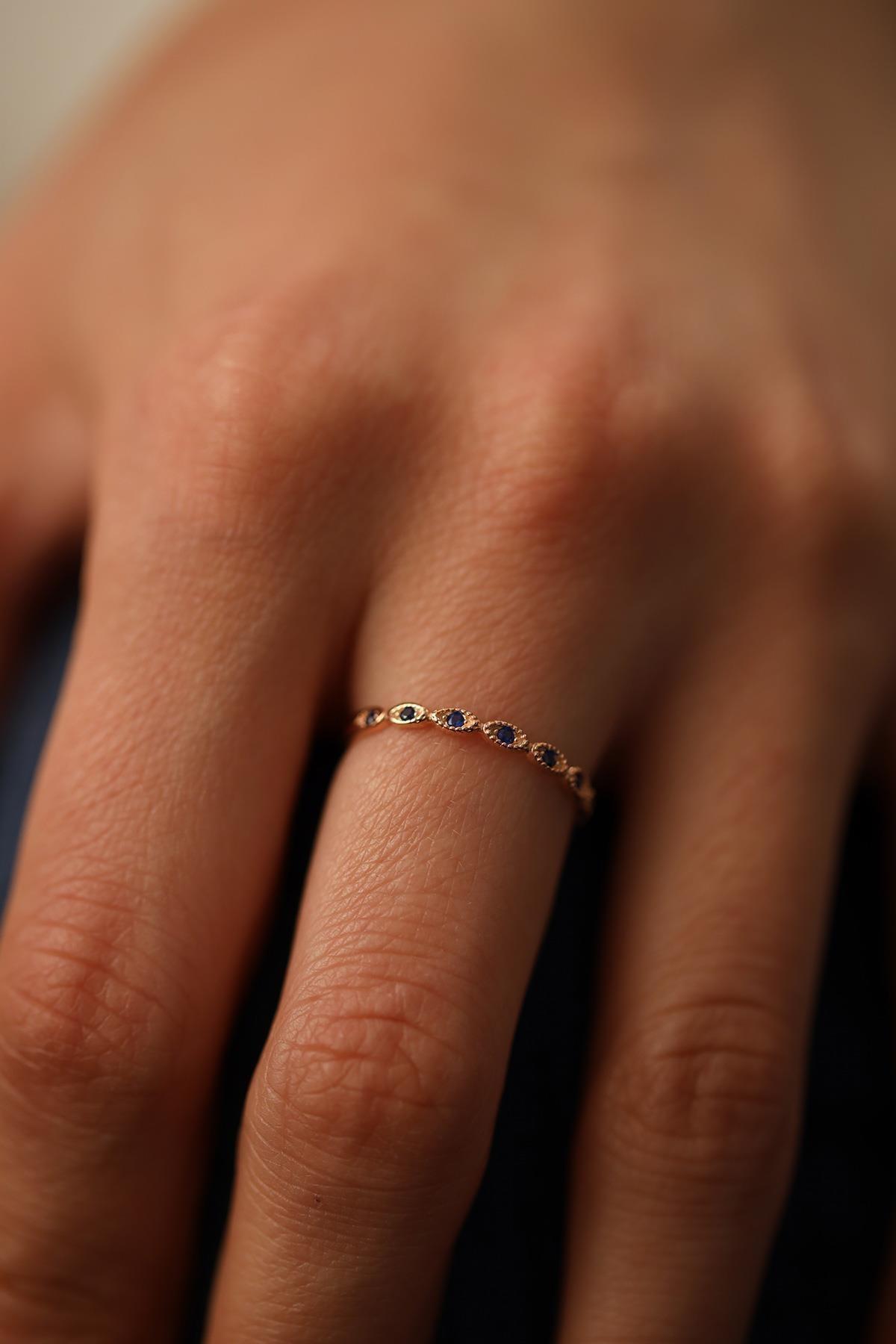 İzla Design Kadın Sıralı Göz Model Safir Taşlı Rose Gümüş Yüzük İZLASLVR00088