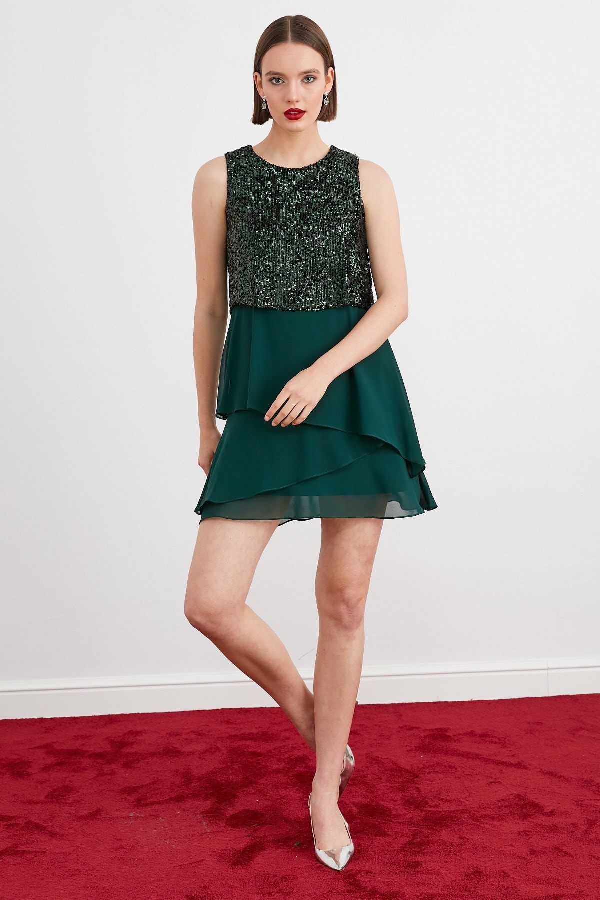 Journey Kadın Yeşil Üst Beden Payet Alt Beden Şifon Katlı Parçalı Kolsuz Abiye Elbise 19KELB078P