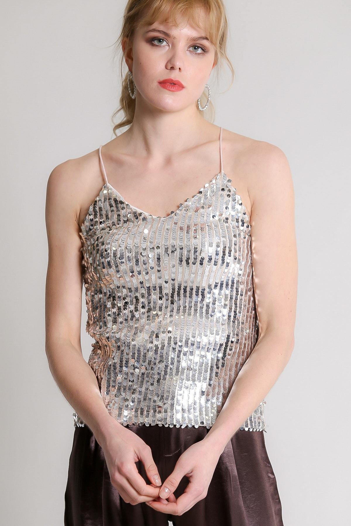 Chiccy Kadın Gümüş Retro Askılı Balık Pul Payetli Bluz M10010200BL96731