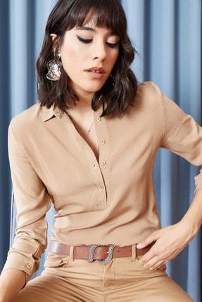 Olalook Kadın Sütlü Kahve Gömlek Yakalı 5 Düğmeli Bluz BLZ-19000754