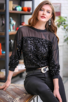 Chiccy Retro Omuzları Mesh Detaylı Siyah Pul Payet İşlemeli Bluz