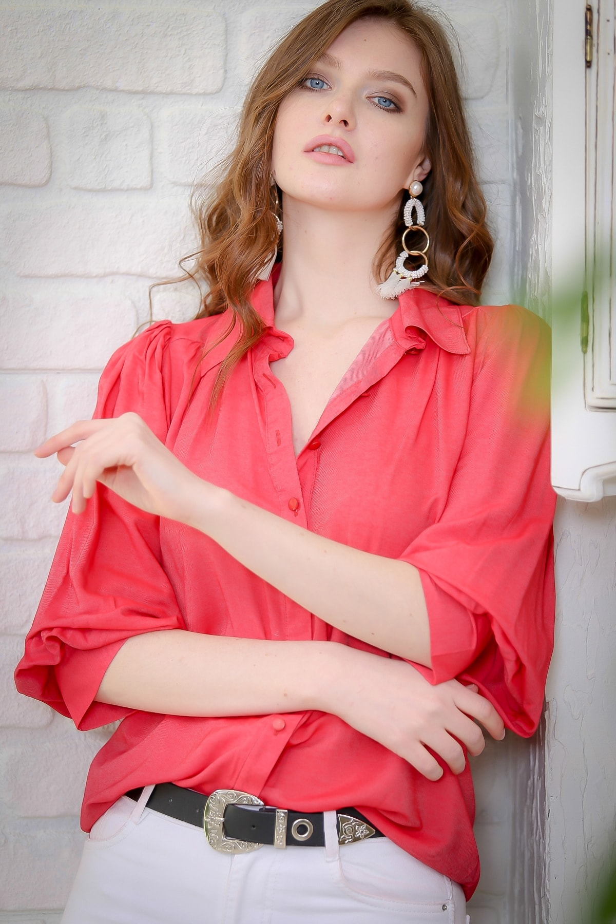 Chiccy Kadın Mercan Retro Omuzları Büzgü Detaylı Dev Manşetli Gömlek M10010400GM99604