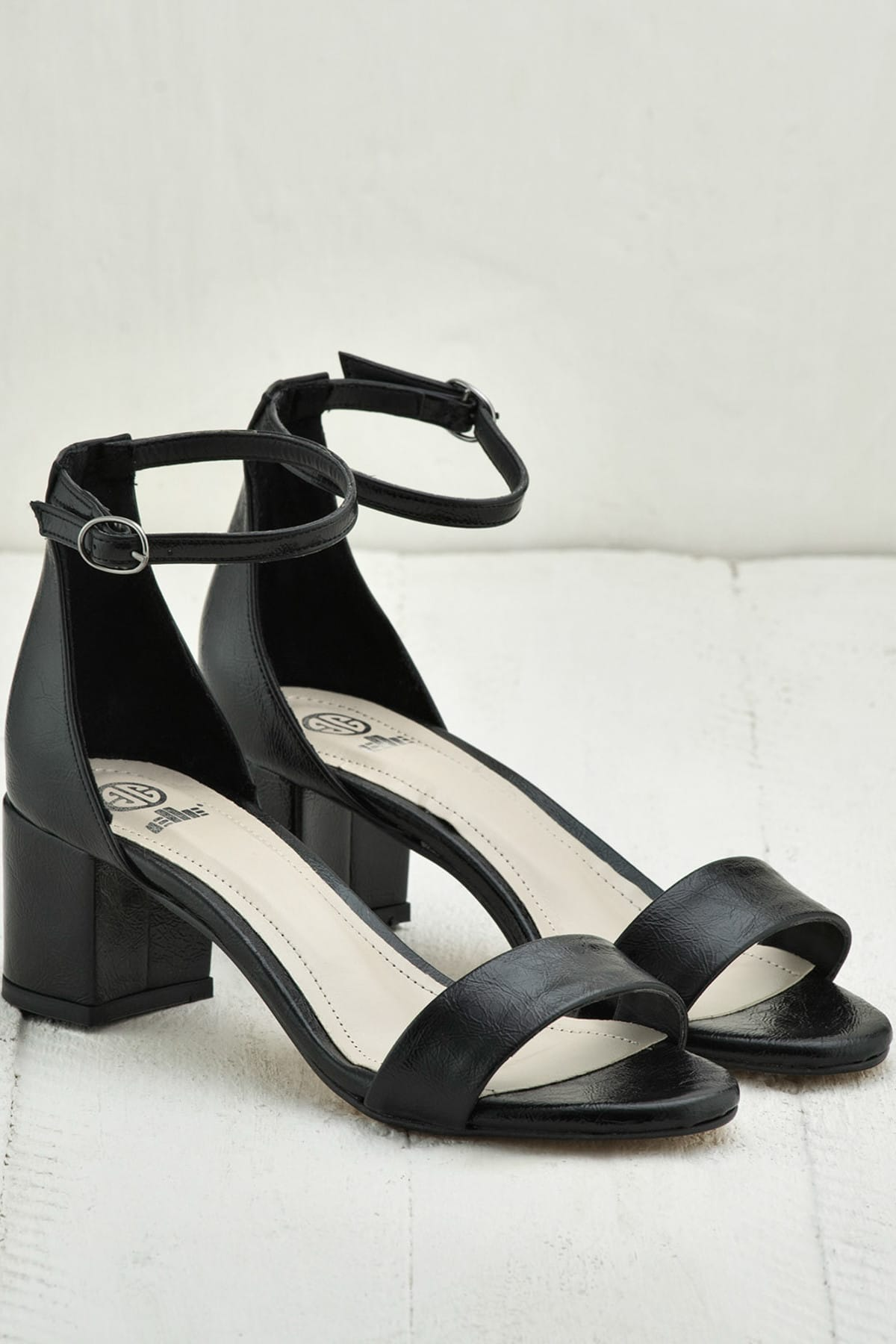 Elle Shoes FOORSSA Siyah KadınSandalet 2