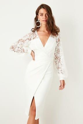 TRENDYOLMİLLA Ekru Dantel Detaylı Anvelop Elbise TPRSS19FZ0271