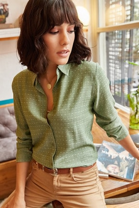 Olalook Kadın Yeşil Dokulu Dökümlü Gömlek GML-19000402