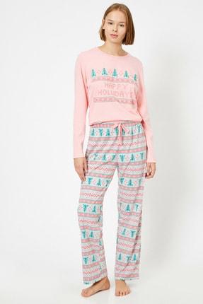 Koton Kadın Pembe Yazılı Baskılı Pijama Takımı
