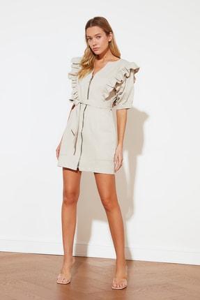 TRENDYOLMİLLA Bej Fermuarlı Fırfırlı Elbise TWOSS21EL1603