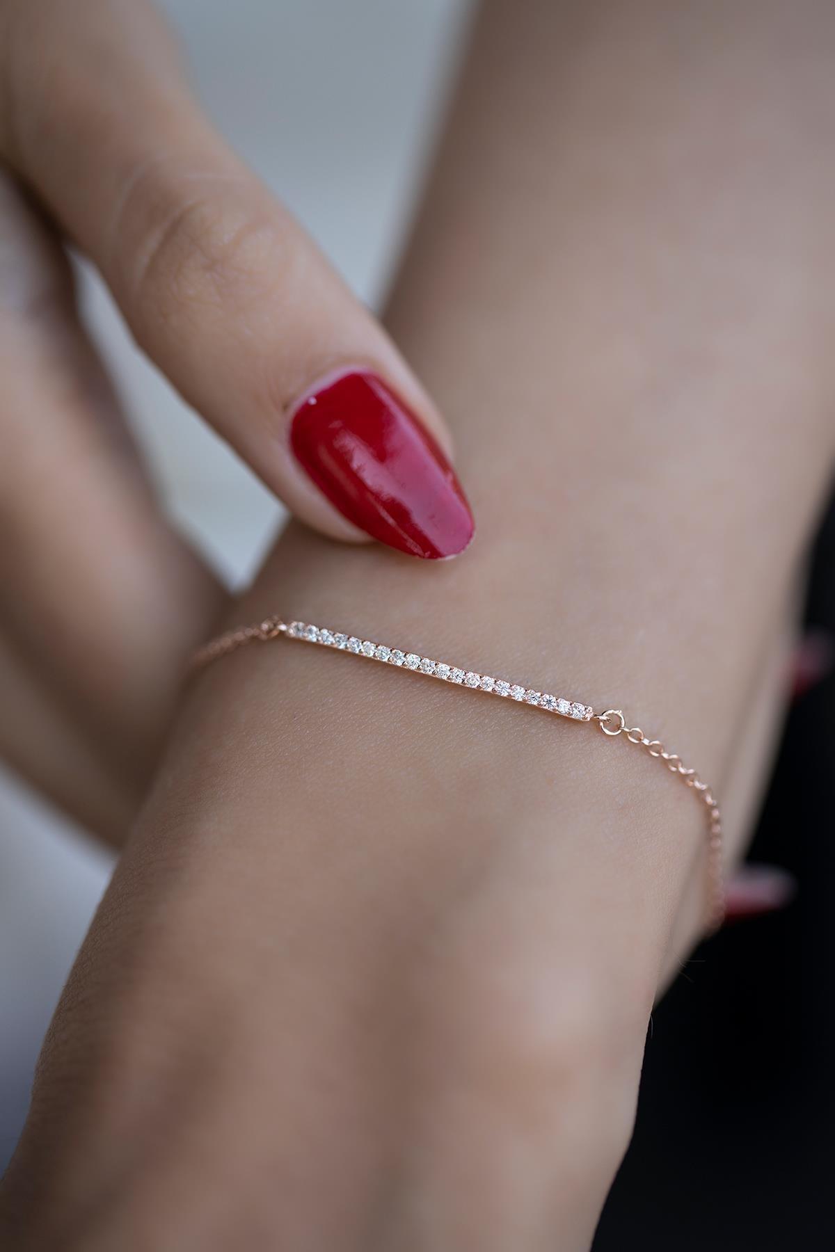 İzla Design Kadın Çubuk Model Zirkon Taşlı Rose Kaplama Gümüş Bileklik İZLASLVR00339 1