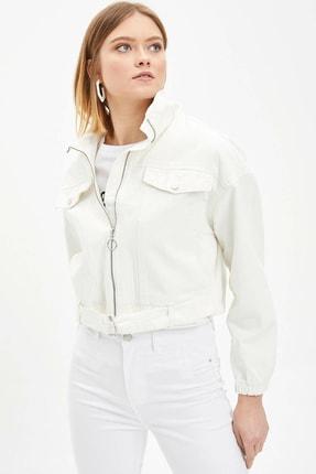 DeFacto Kadın Beyaz Dik Yaka Basic Cep Detaylı Mont M6535AZ.20SP.WT34