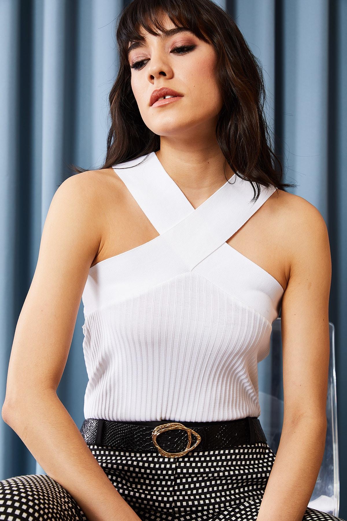 Olalook Kadın Beyaz Çapraz Yakalı Yazlık Triko Bluz BLZ-19000870 2
