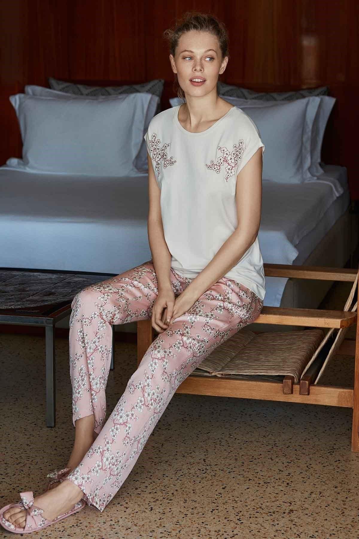 Penyemood Kadın Bej Pijama Takımı 8505