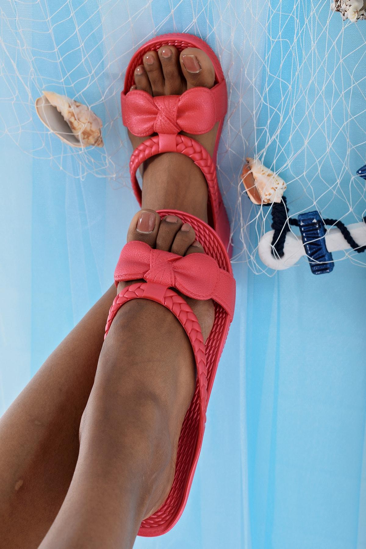Ayakkabı Modası Kırmızı Kadın Terlik M9999-19-100230R 1