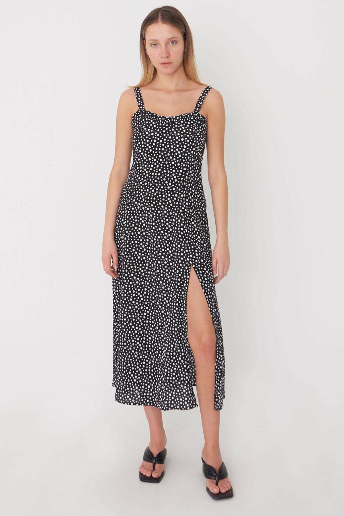 Addax Kadın Siyah-Beyaz Yırtmaç Detaylı Puantiyeli Elbise E8024 - T6 ADX-0000022756