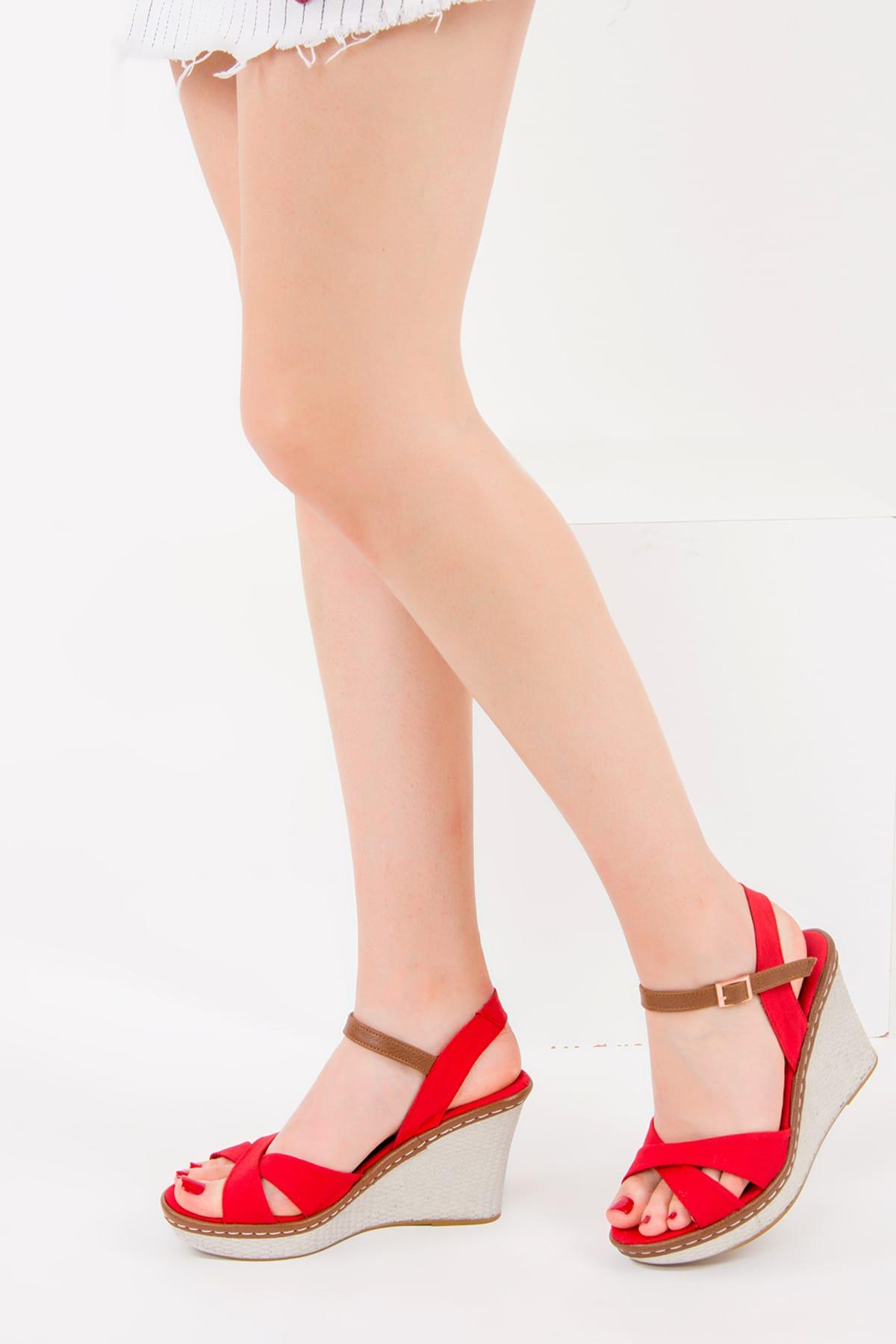 Fox Shoes Kırmızı Kadın Dolgu Topuklu Ayakkabı 9674040205 1