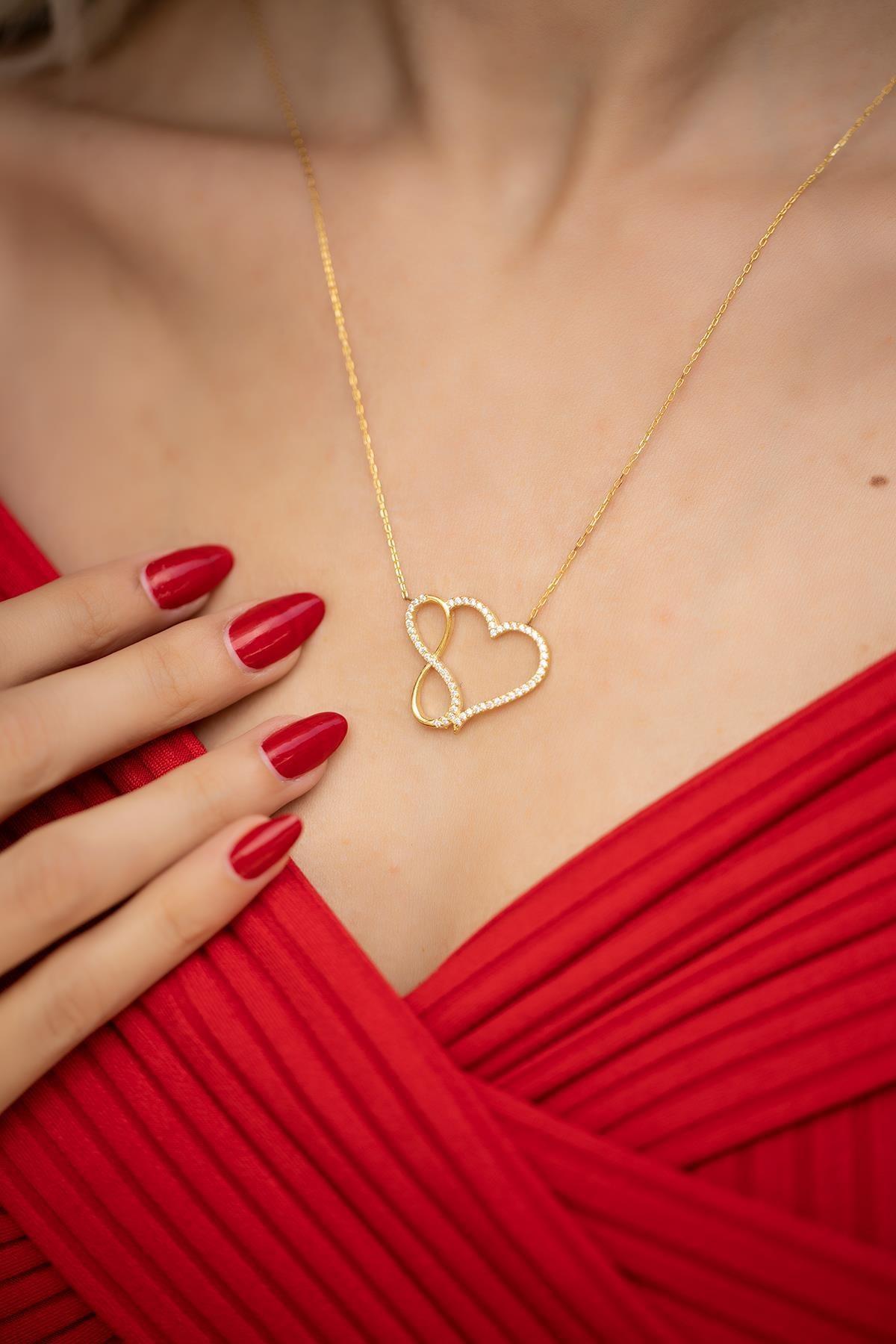 İzla Design Kadın Kalp ve Sonsuzluk Model Altın Kaplama Gümüş Kolye İZLASLVR00467