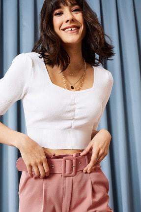 Olalook Kadın Beyaz Önü Büzgülü V Yaka Yazlık Triko Bluz BLZ-19000867