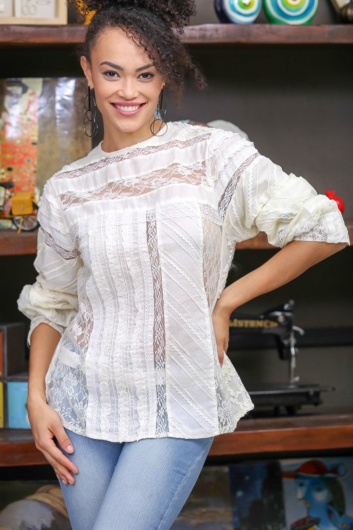 Chiccy Kadın Ekru Vintage Patchwork Dantel Detaylı Bluz M10010200BL96379