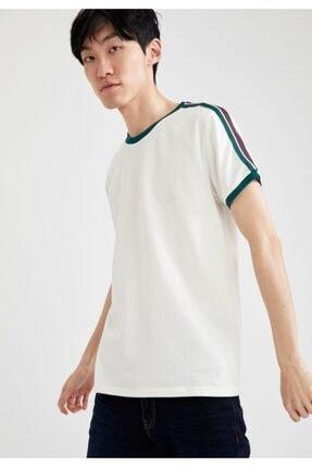 DeFacto Erkek Ekru Şerit Detaylı Slim Fit Bisiklet Yaka Pamuklu Tişört