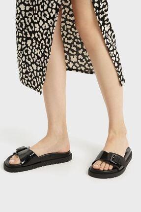 Bershka Kadın Siyah Tokalı Düz Yanardöner Sandalet