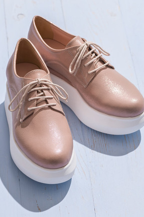Elle Oxford
