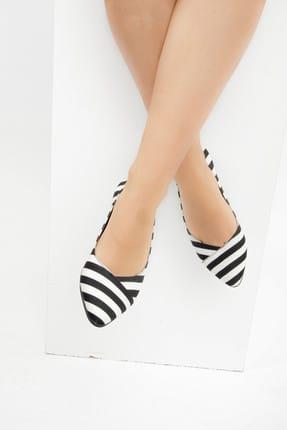 Fox Shoes Siyah Beyaz Kadın Babet F726803204 1