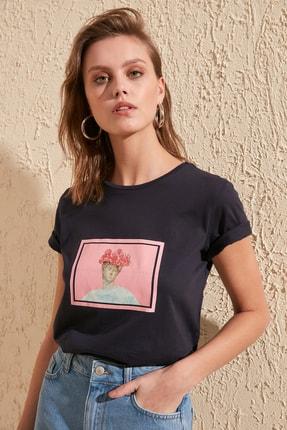 TRENDYOLMİLLA Lacivert Baskılı Basic Örme T-Shirt TWOSS20TS0230 0
