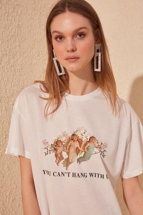 TRENDYOLMİLLA Beyaz Baskılı Boyfriend Örme T-shirt TWOSS19GS0082 0