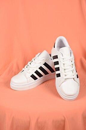 Kadın Beyaz Bağcıklı Siyah Şeritli Deri Spor Ayakkabı Ba18018
