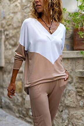 Kadın Bej-Beyaz V Yaka Color Block Yumuşak Dokulu Salaş Bluz GK-BST3167