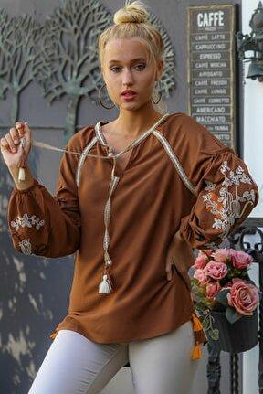 Kadın Kahverengi Vintage Kolları Kırlangıç Nakışlı Bağlama Detaylı Bluz M10010200BL96078
