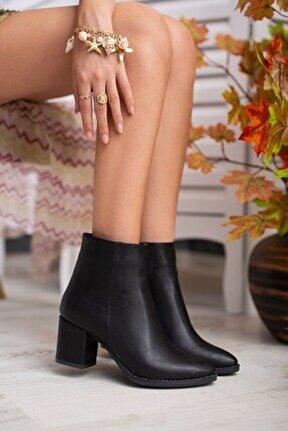 Asper Siyah Deri Topuklu Günlük Kullanım Kadın Botu