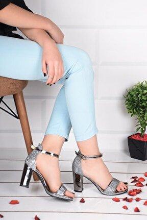 Kadın Gri Taşlı Topuklu Ayakkabı