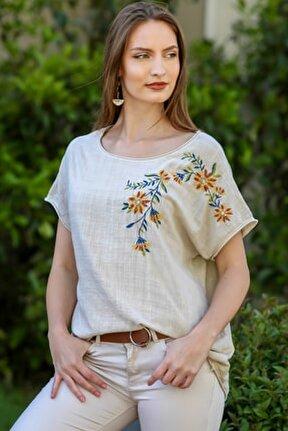 Kadın Bej Kayık Yaka Omzu Çiçek Nakışlı Oversize Dokuma Bluz M10010200BL95330
