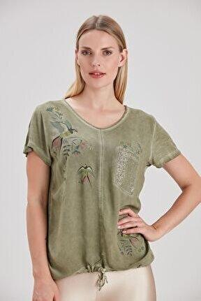 Kadın Haki Etek Ucu Büzgülü Kırlangıç Kuşu Baskılı T-Shirt YL-TS99325