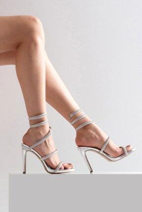 Kadın Ince Topuk Taşlı Ayakkabı