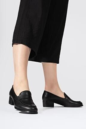 Kadın Siyah Hakiki Deri Topuklu Yuvarlak Burun Loafer Ayakkabı