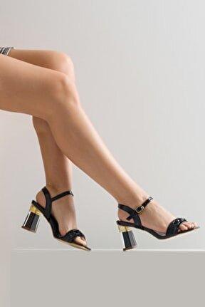 Kadın Tek Bant Topuk Detaylı Ayakkabı