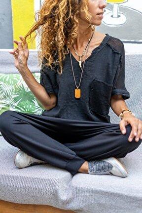 Kadın Siyah Yıkamalı Keten Yakası Yırtmaçlı File Detaylı Salaş Bluz GK-RSD2081