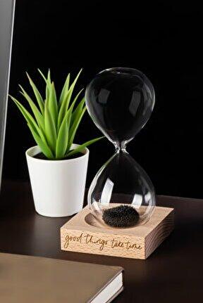 Güzel Şeyler Zaman Alır Mottolu Ahşap Kaideli Manyetik Kum Saati -Standlı Mıknatıslı Kum Saati