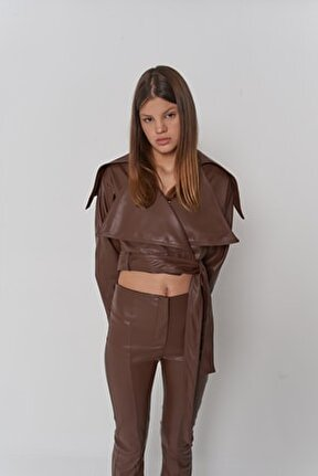 Kadın Kahverengi Çıtçıt Kapamalı Astarlı Neeko Deri Ceket