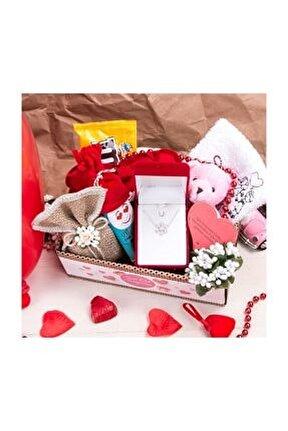 Gümüş Kolye Hediyeli Sevgili Sepeti - Sevgiliye Ayıcıklı Kalp Kutu - Sevgililer Günü Hediyesi