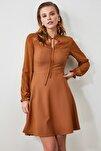 Camel Bağlama Detaylı Elbise TWOAW21EL0721