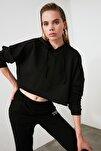 Siyah Kapüşonlu Crop Örme Sweatshirt TWOAW20SW0144
