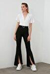Siyah Taşlı Kemerli Yırtmaç Detaylı Örme Pantolon TWOSS20PL0100