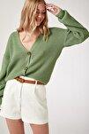 Kadın Koyu Çağla Yeşili V Yakalı Düğmeli Triko Hırka ZA00025