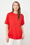 Kırmızı %100 Pamuk Bisiklet Yaka Boyfriend Örme T-Shirt TWOSS20TS0134