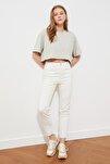 Beyaz Paçası Kesikli Yüksel Bel Slim Fit Jeans TWOSS21JE0014