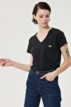 Kadın Siyah Kısa Kollu %100 Pamuk Logolu Sıfır Yaka Tişört