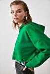 Yeşil Kapüşonlu Crop Örme Sweatshirt TWOAW20SW0660